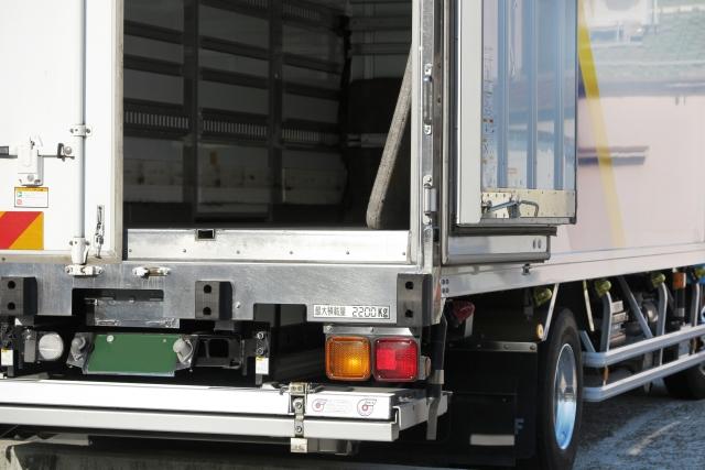冷蔵トラック・冷凍トラックの扉