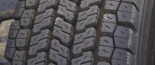 ブロック型パターン スダッドレス