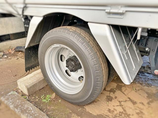 トラックの泥除けの種類
