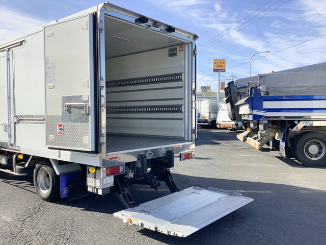 トラックのパワーゲート